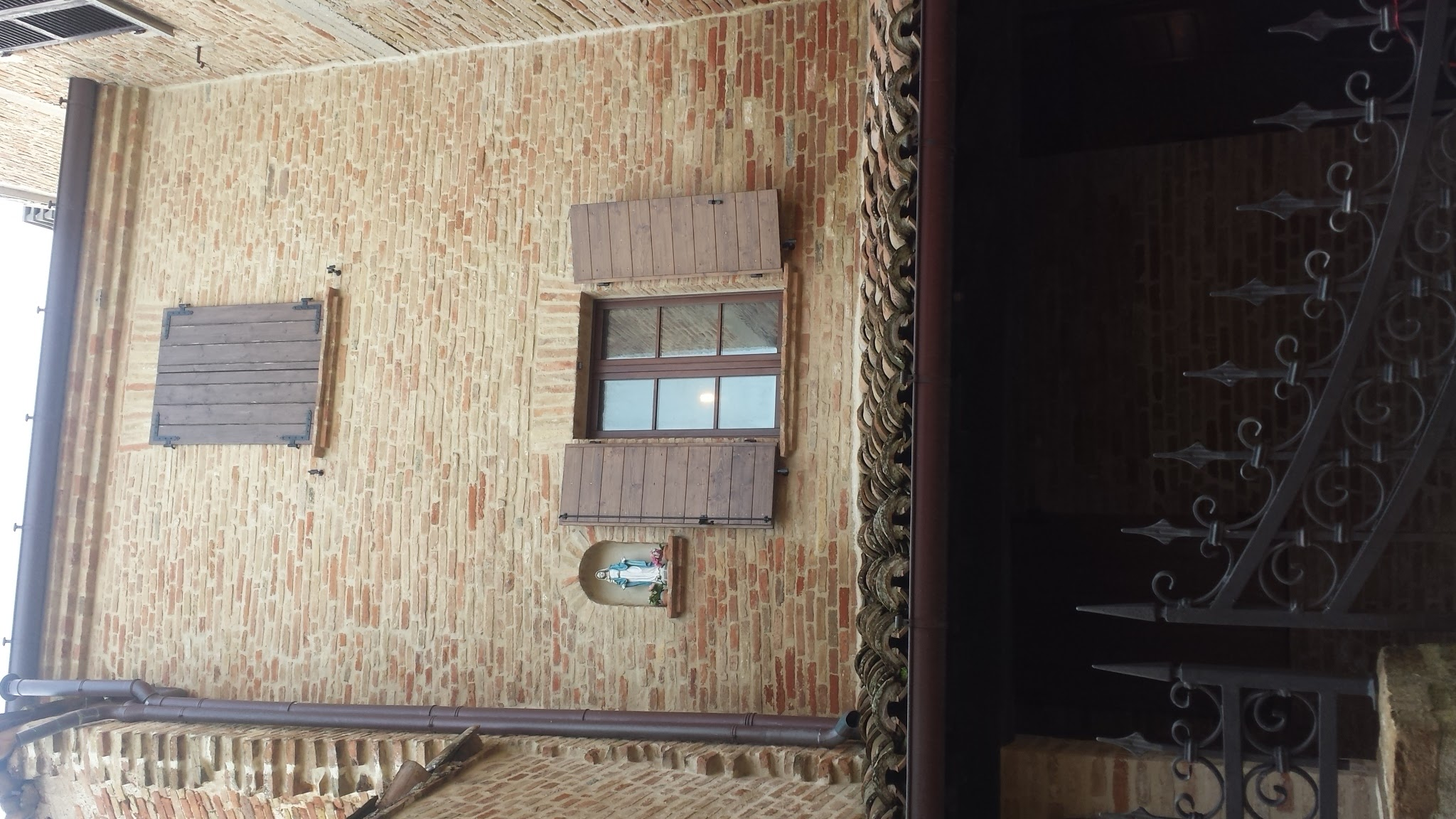 Orciano di pesato vendesi casa di fila ristrutturata for Vendesi casa roma centro