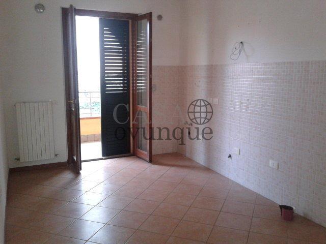 Marotta affittasi appartamento vuoto piano terra con garage for Appartamento garage a piano singolo